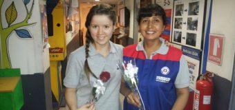 En el Día de la Mujer sorprendieron con una rosa a las trabajadoras de Estación Central