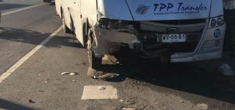 Bus de acercamiento de Los Ángeles tuvo accidente con pasajeros del primer turno