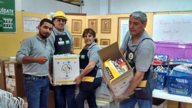Socios de San Antonio recibieron sus cajas de navidad