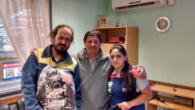 Con emoción recibieron sus mochilas los socios de Villarrica