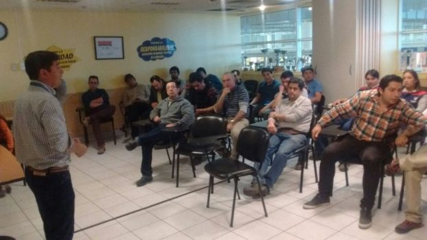 Director Ramón Cayuqueo realizó reunión informativa en Temuco